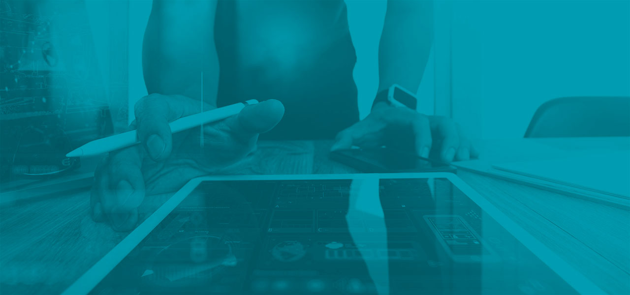 Desarrollo aplicaciones multiplataforma Valladolid - imagen iPad tecnico